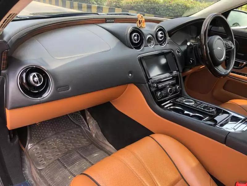 Jaguar XJ L 3.0 V6 Portfolio